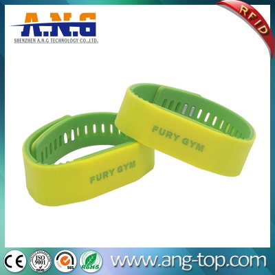 Doppia Bracciali RFID di colore per senza contanti e controllo degli accessi