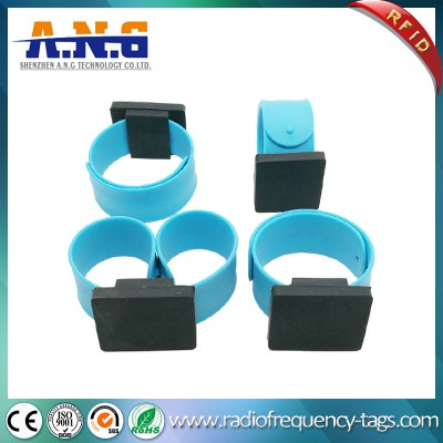 Waterproof Promotional Gift RFID Silicone Reflective Slap Wristband