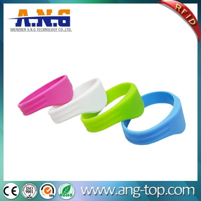 Access Control RFID Silicone Wristbands for Pools and Waterparks