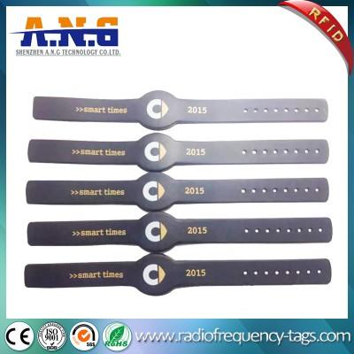 13.56MHz RFID braccialetto del silicone Wristband per parco di divertimenti