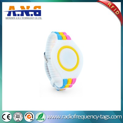 Waterproof MIFARE NFC RFID Silicone Bracelet for Amusement Park