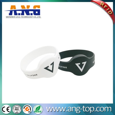 Comfortable RFID Silicone Wristbands And Cashless Ticketing For Concerts