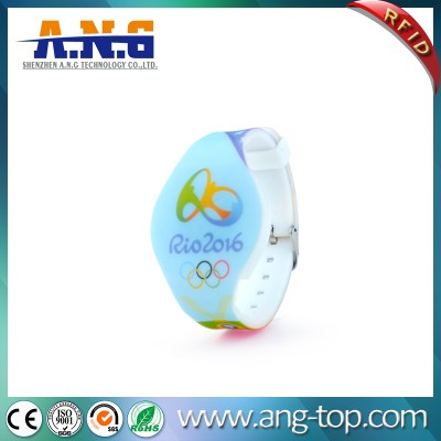 13.56MHz Adjustable Waterproof Silicone RFID Bracelet For Swimming Pool