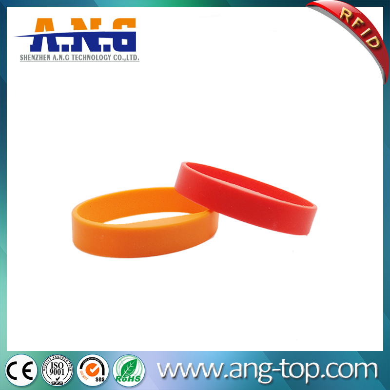 ISO14443A CMYK Printing silicone rfid bracelets For Membership Management